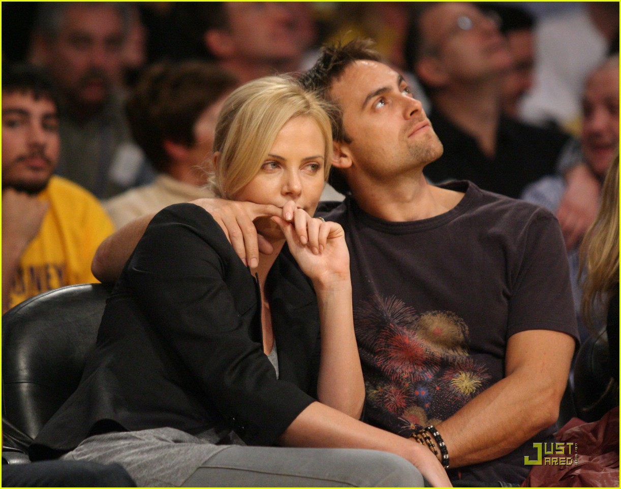charlize theron stuart townsend love the lakers 06