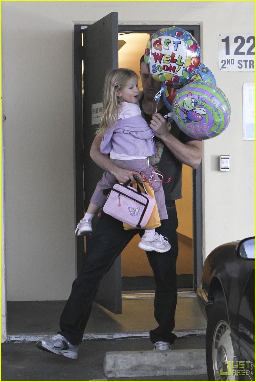 ben affleck violet balloons 032379951