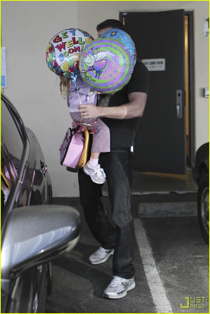 ben affleck violet balloons 062379981