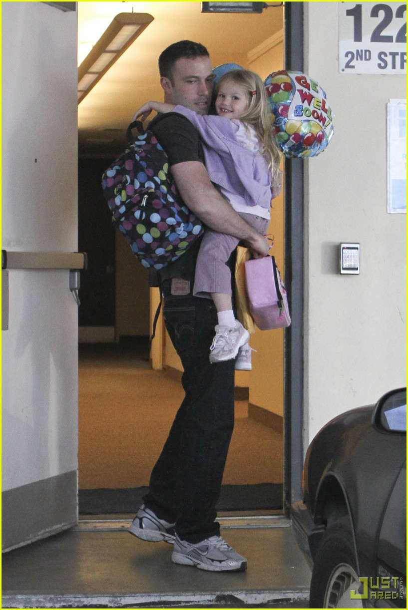 ben affleck violet balloons 12