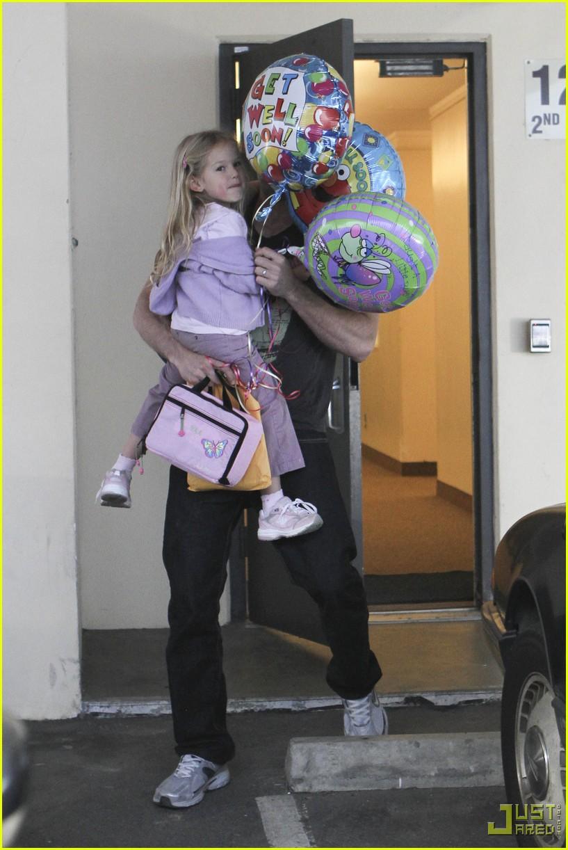 ben affleck violet balloons 132380051