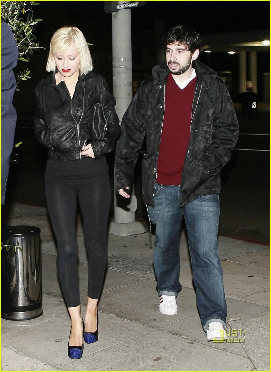 Full Sized Photo Of Christina Aguilera Short Blonde Bob