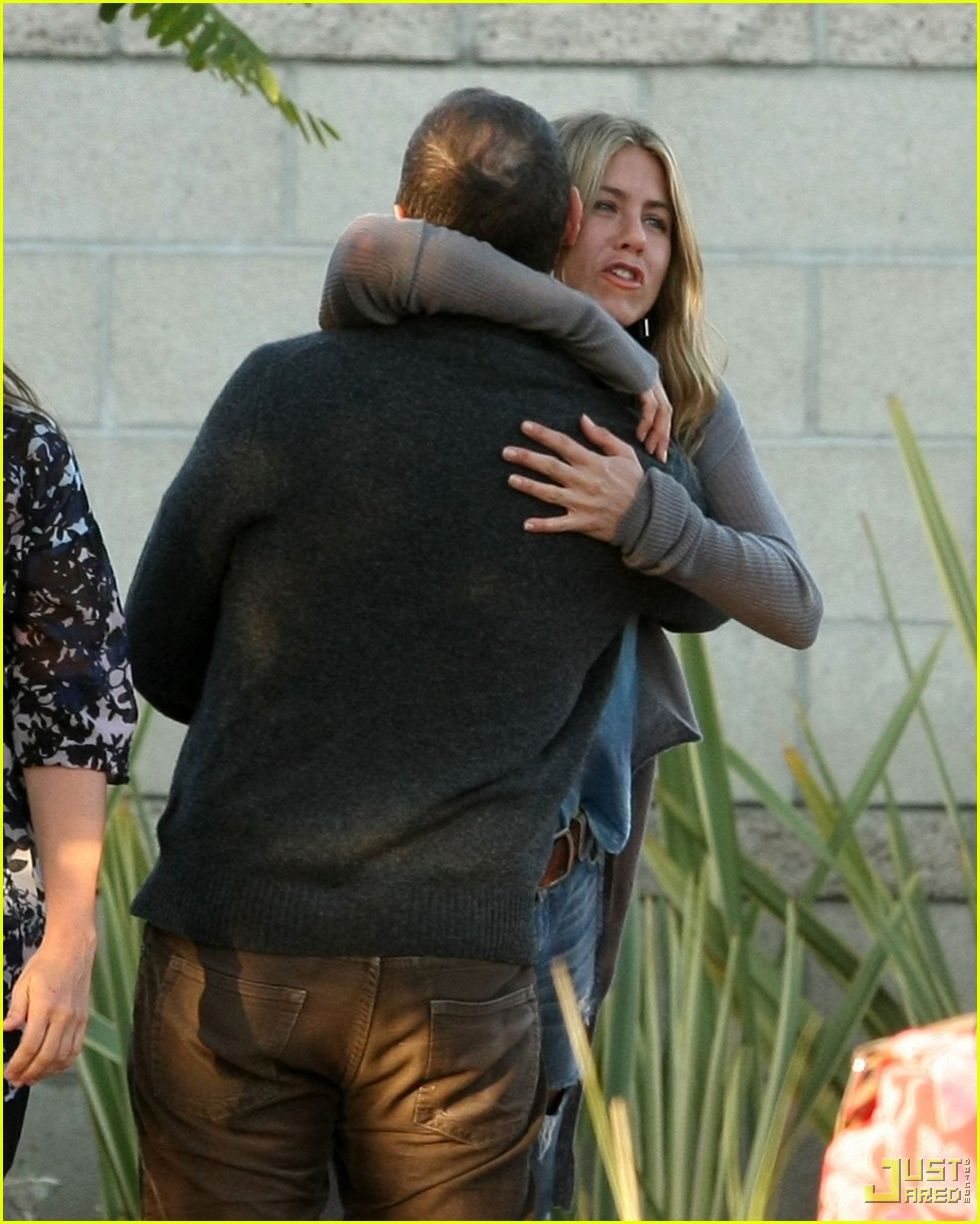 jennifer aniston home from cabo 042366741