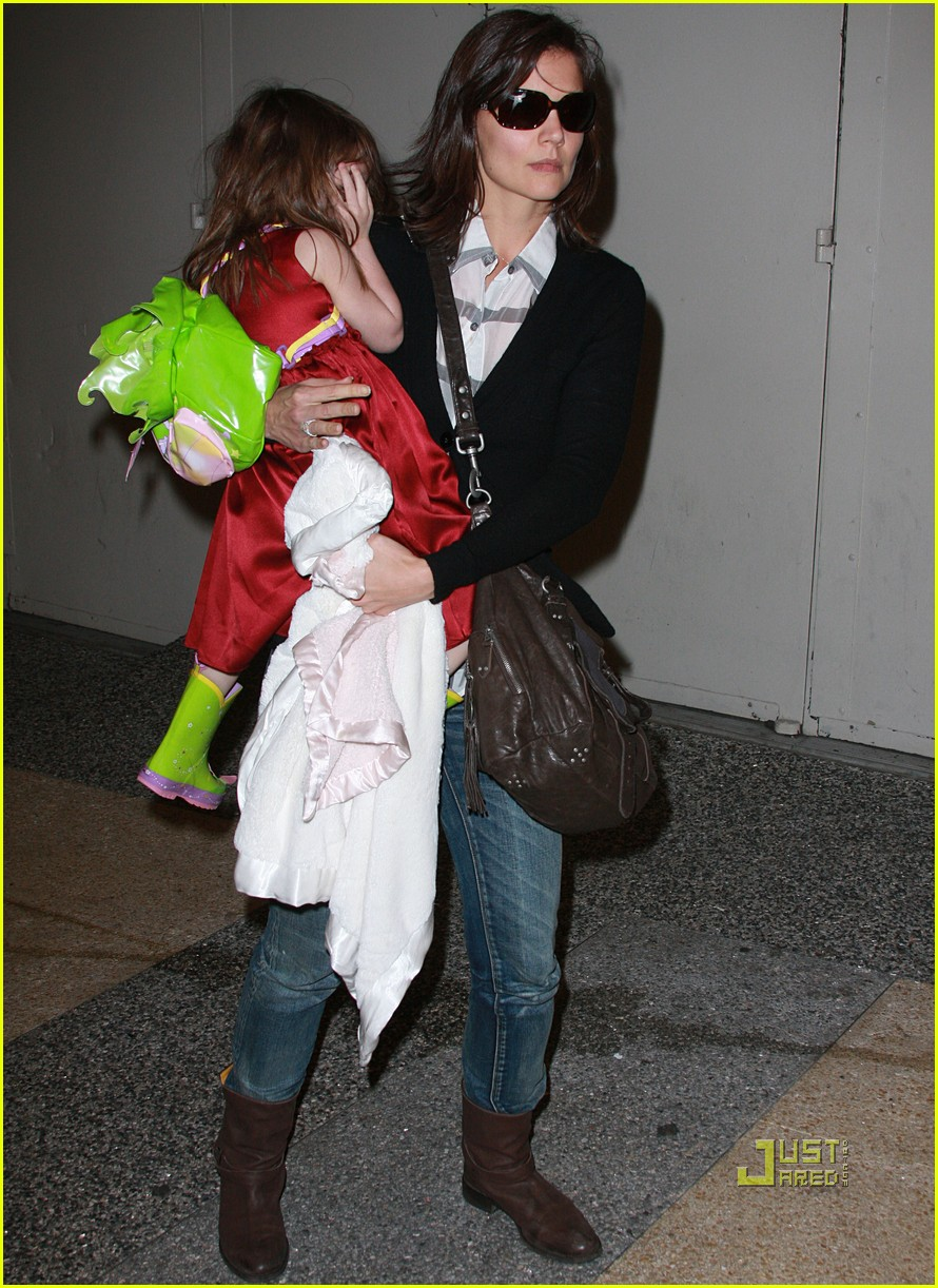 katie holmes suri cruise lion king broadway 132374171