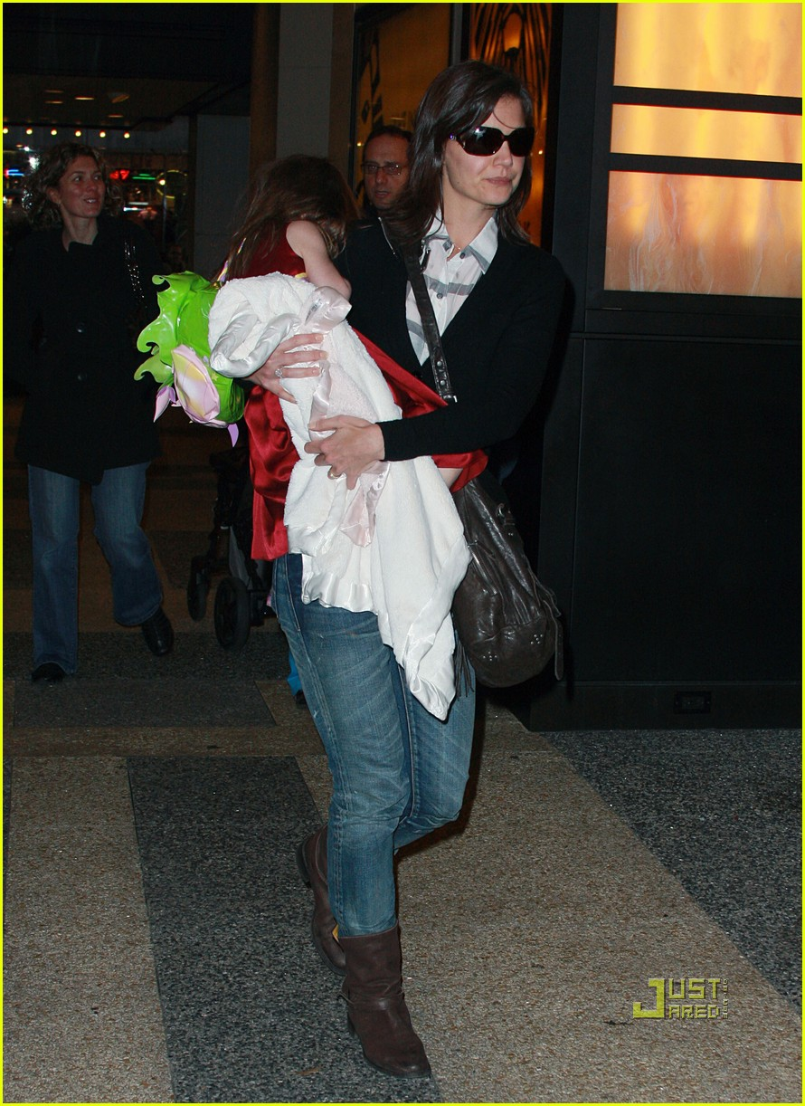 katie holmes suri cruise lion king broadway 142374181
