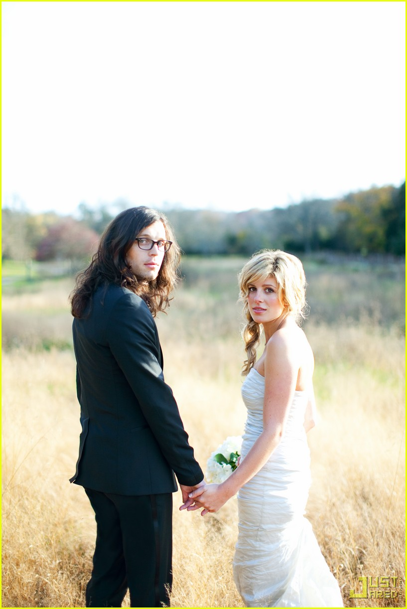 nathan followill jessie baylin wedding pictures 052372211