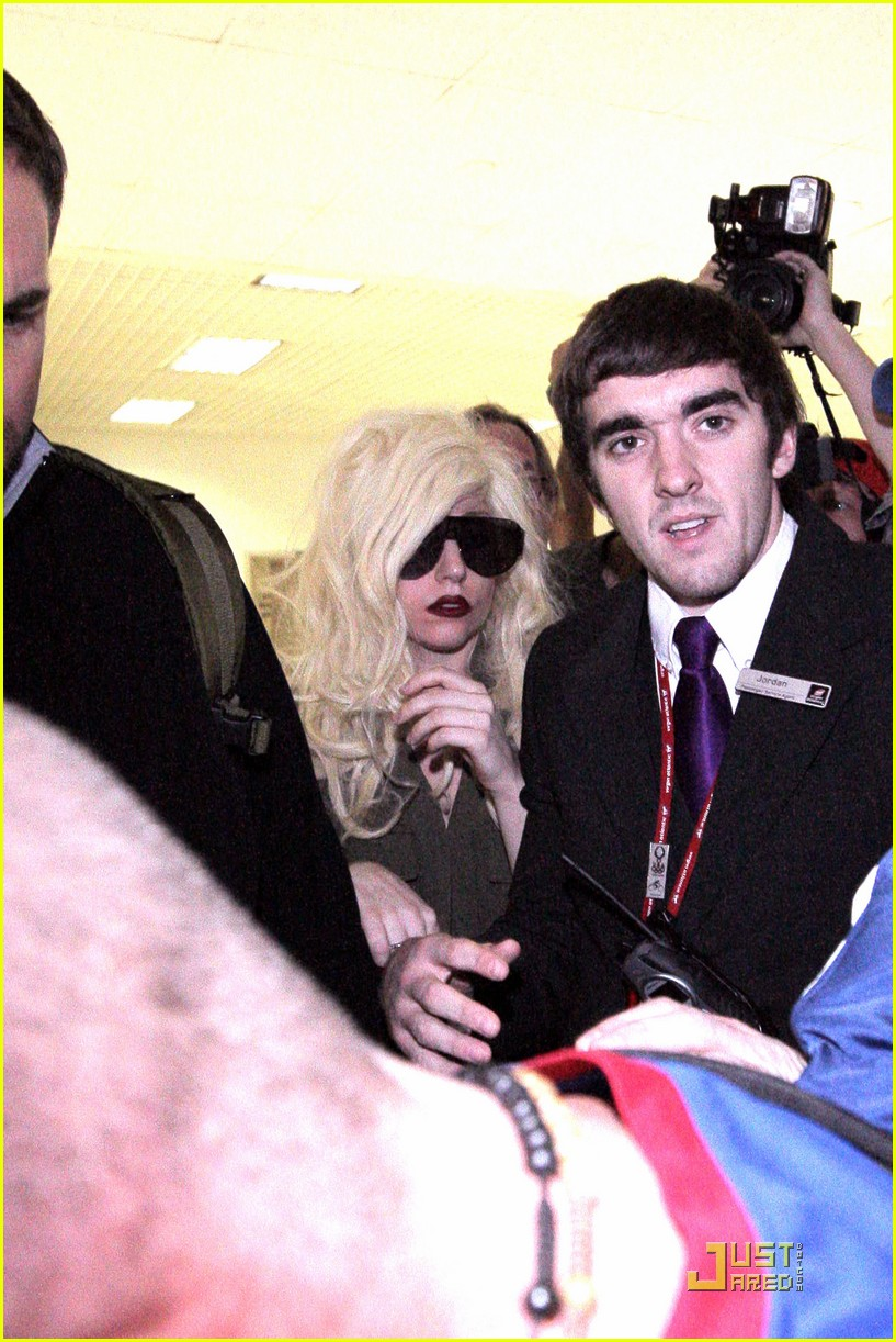 lady gaga lands at lax 112349552
