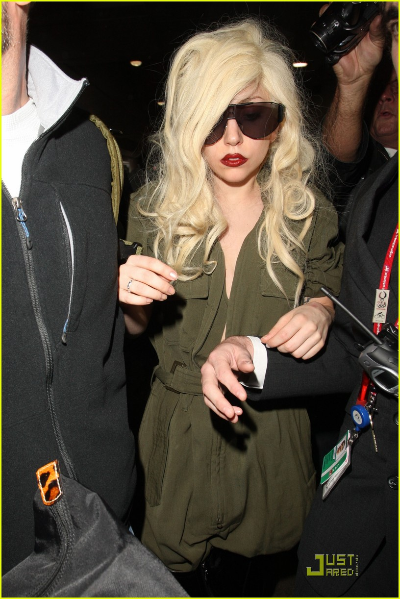 lady gaga lands at lax 172349612