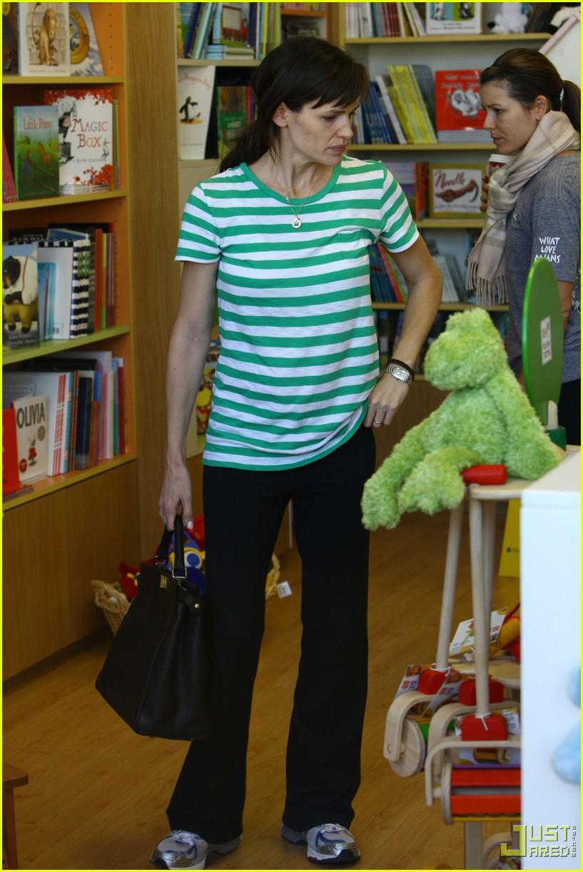jennifer garner toys shopping 102355411