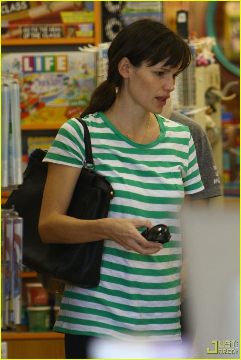 jennifer garner toys shopping 172355481