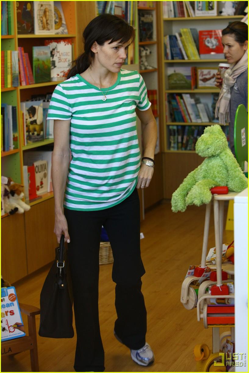 jennifer garner toys shopping 282355591