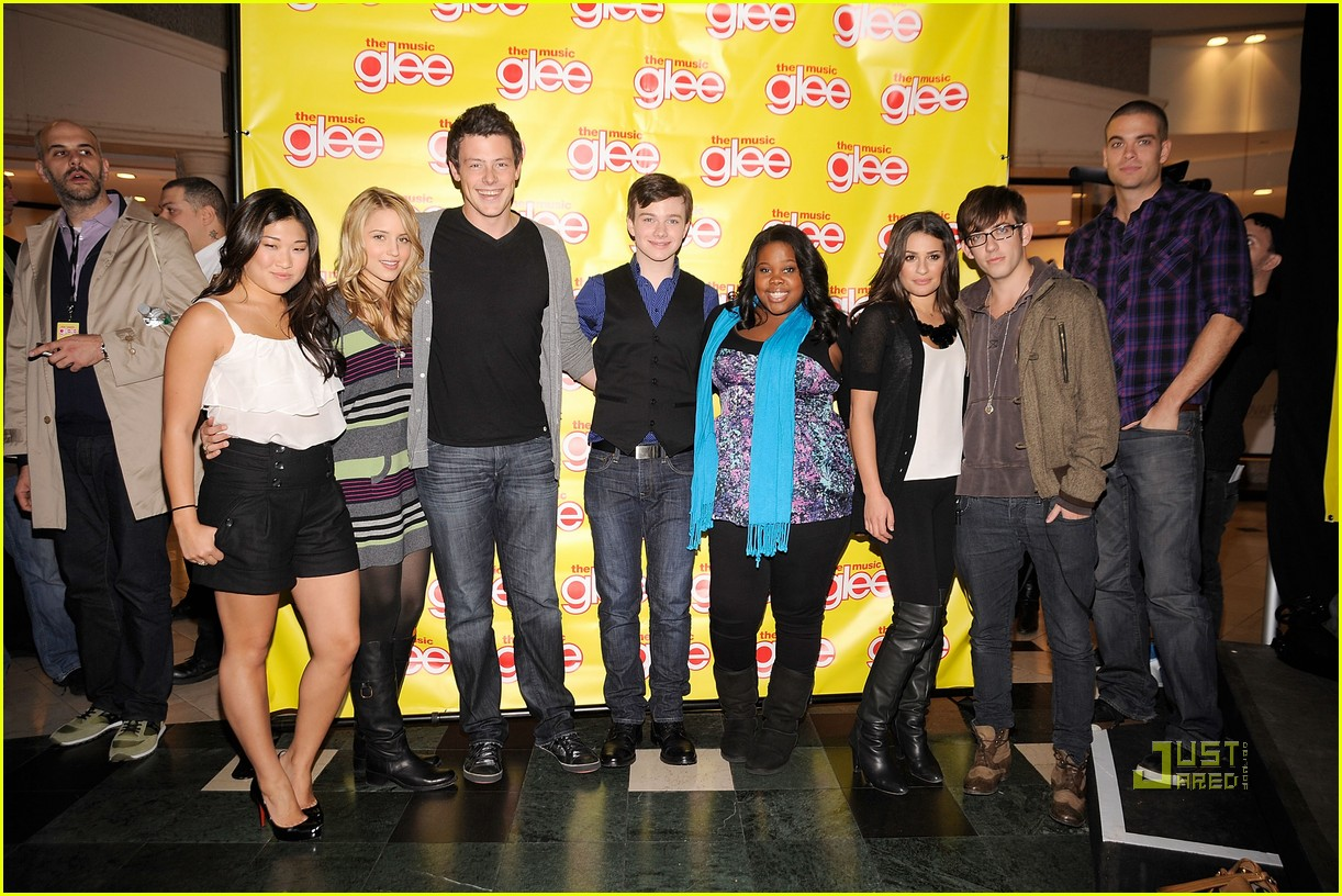 glee cast roosevelt field mall 10