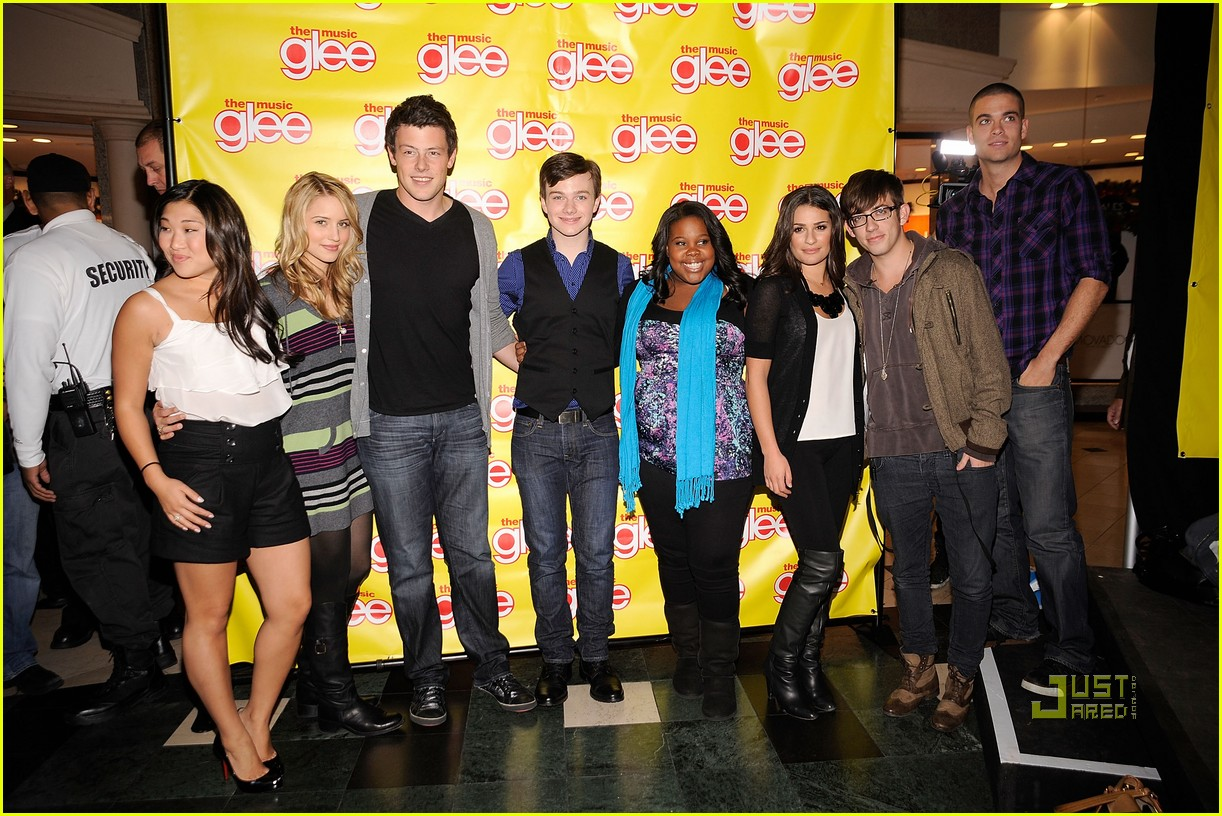 glee cast roosevelt field mall 12