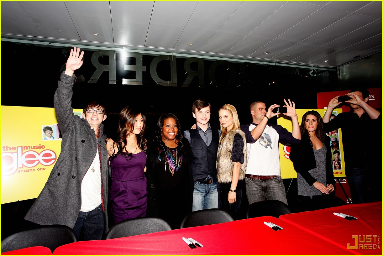 glee cast autograph signings 042337342