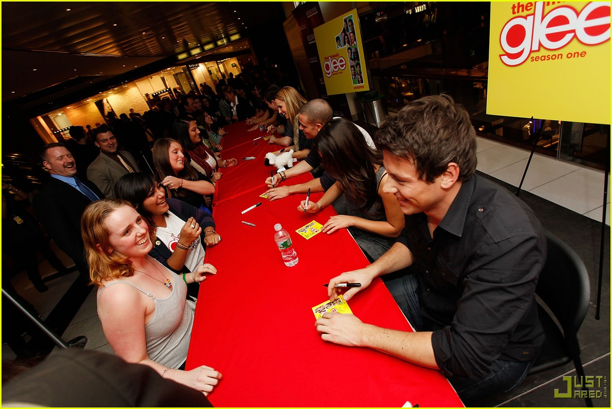 glee cast autograph signings 16
