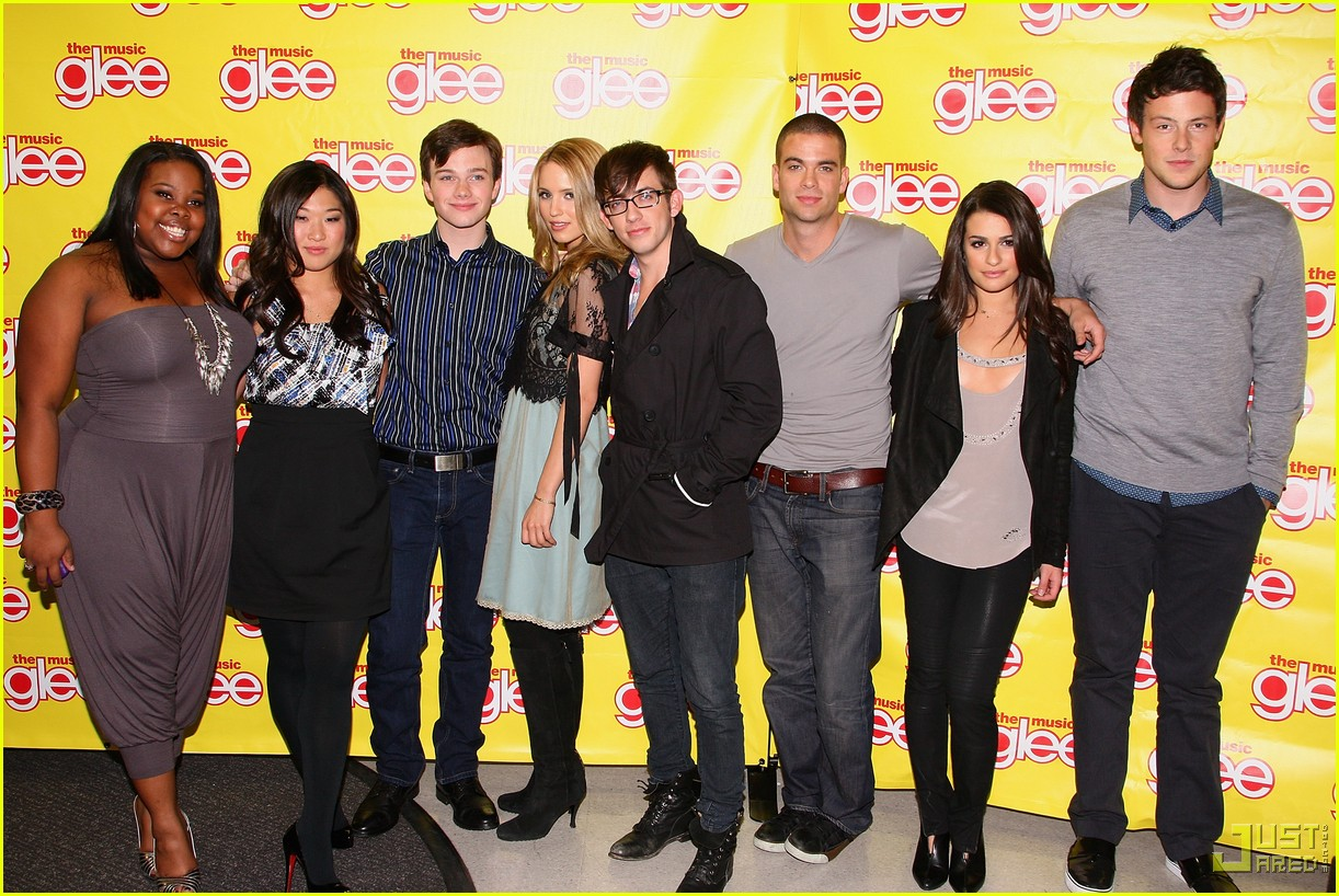 glee cast autograph signings 48