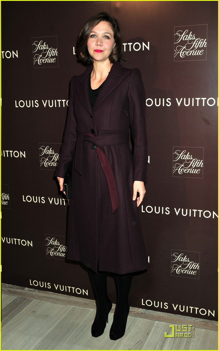 maggie gyllenhaal loves the louis vuitton cruise collection 222349911