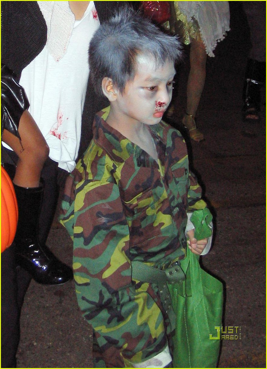 angelina jolie trick of treating 02