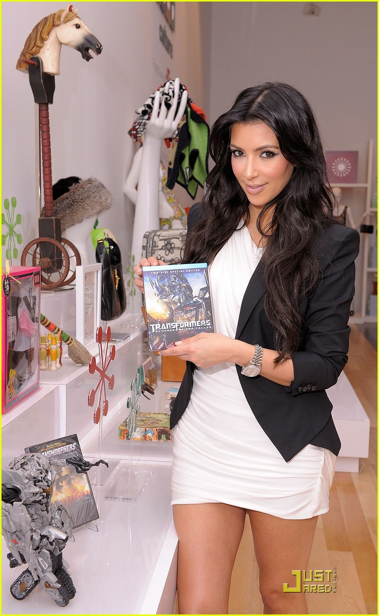 kim kardashian is excited about ebay 07