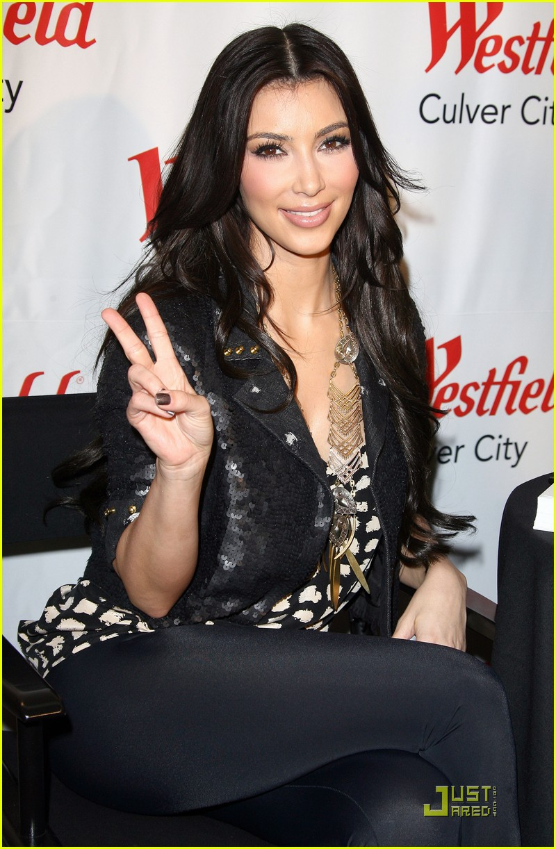 Full Sized Photo Of Kim Kardashian Celebrates Fashion 05 Photo 2343731 Just Jared