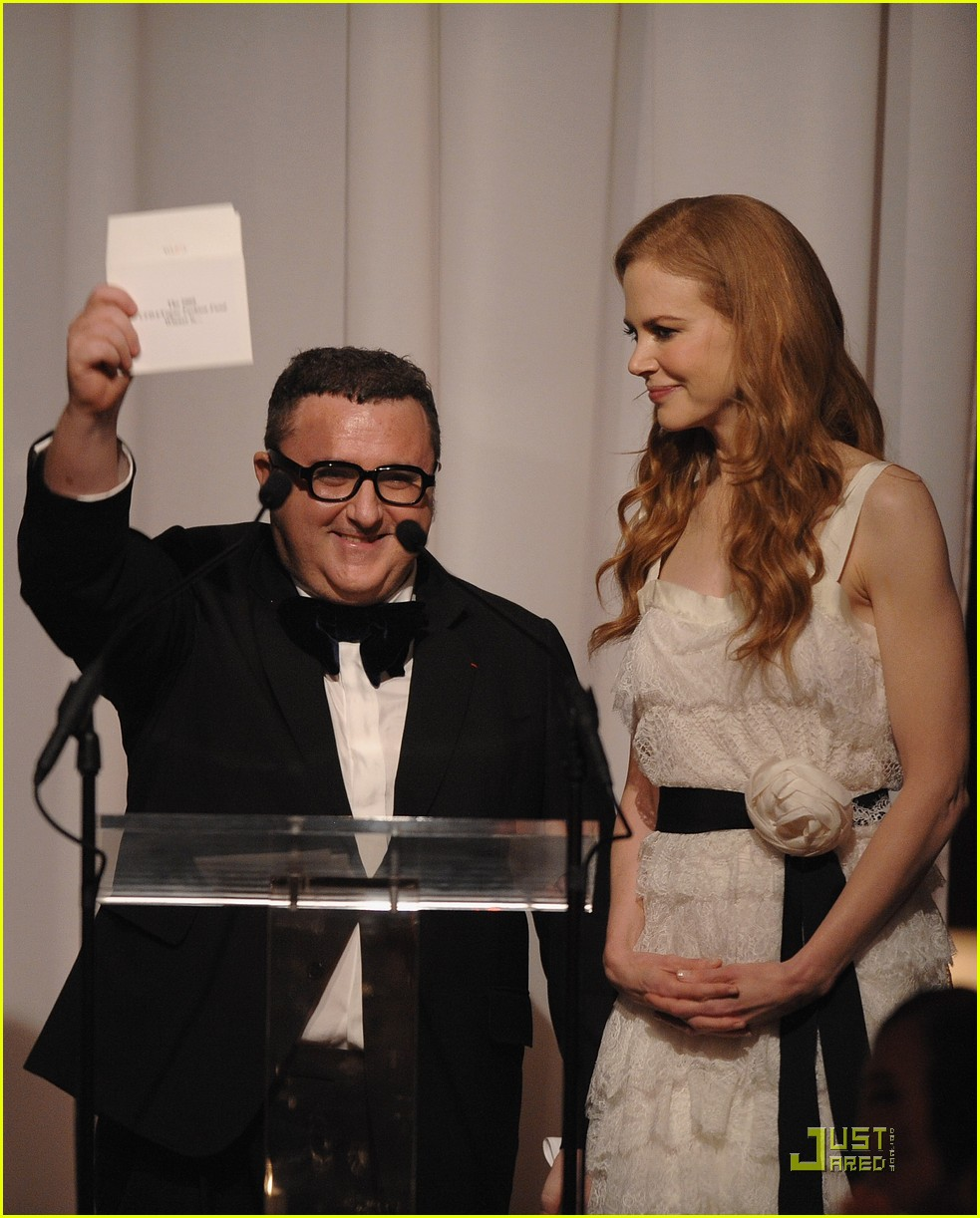 nicole kidman vogue fashion fund awards 022362492