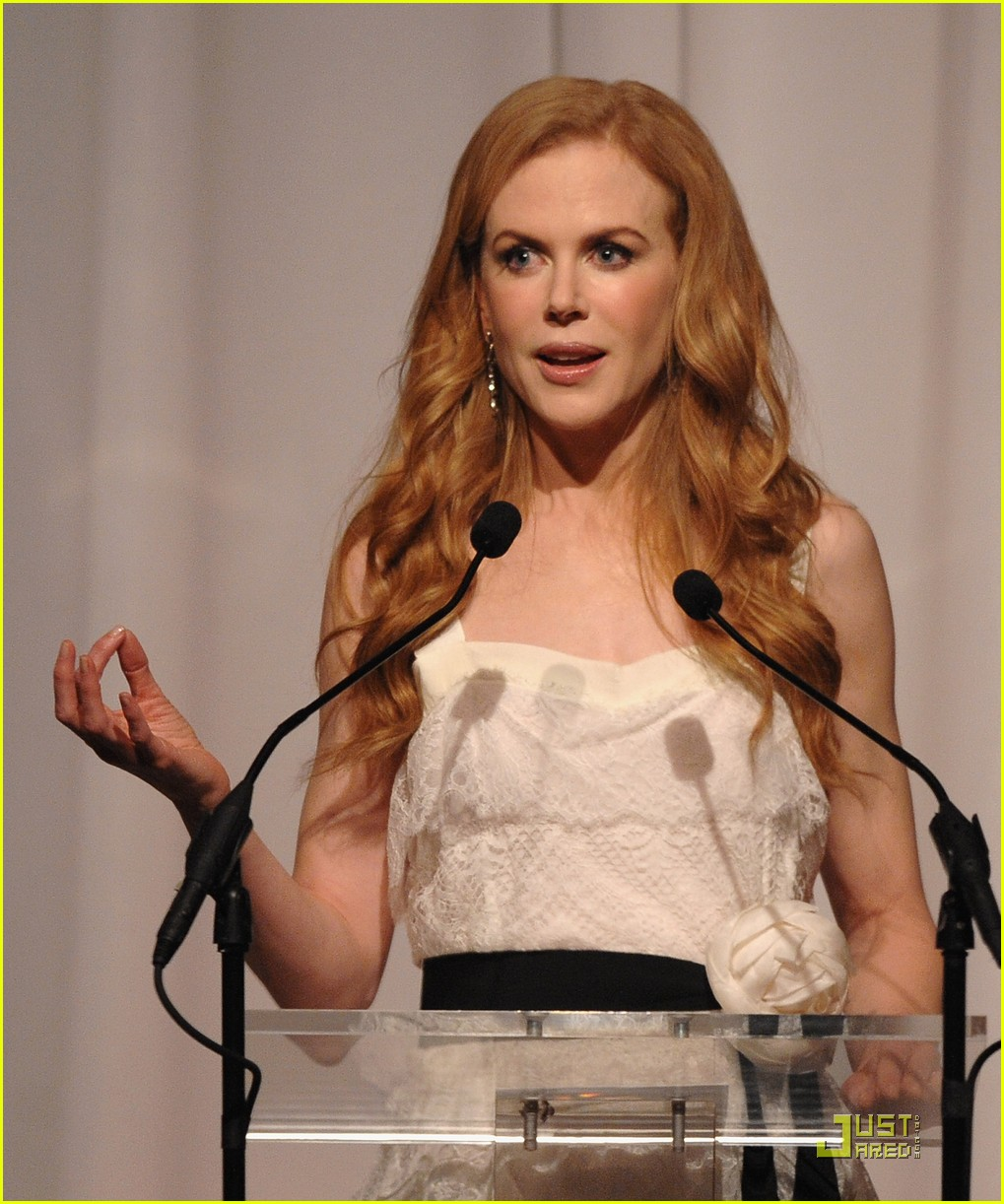 nicole kidman vogue fashion fund awards 042362512