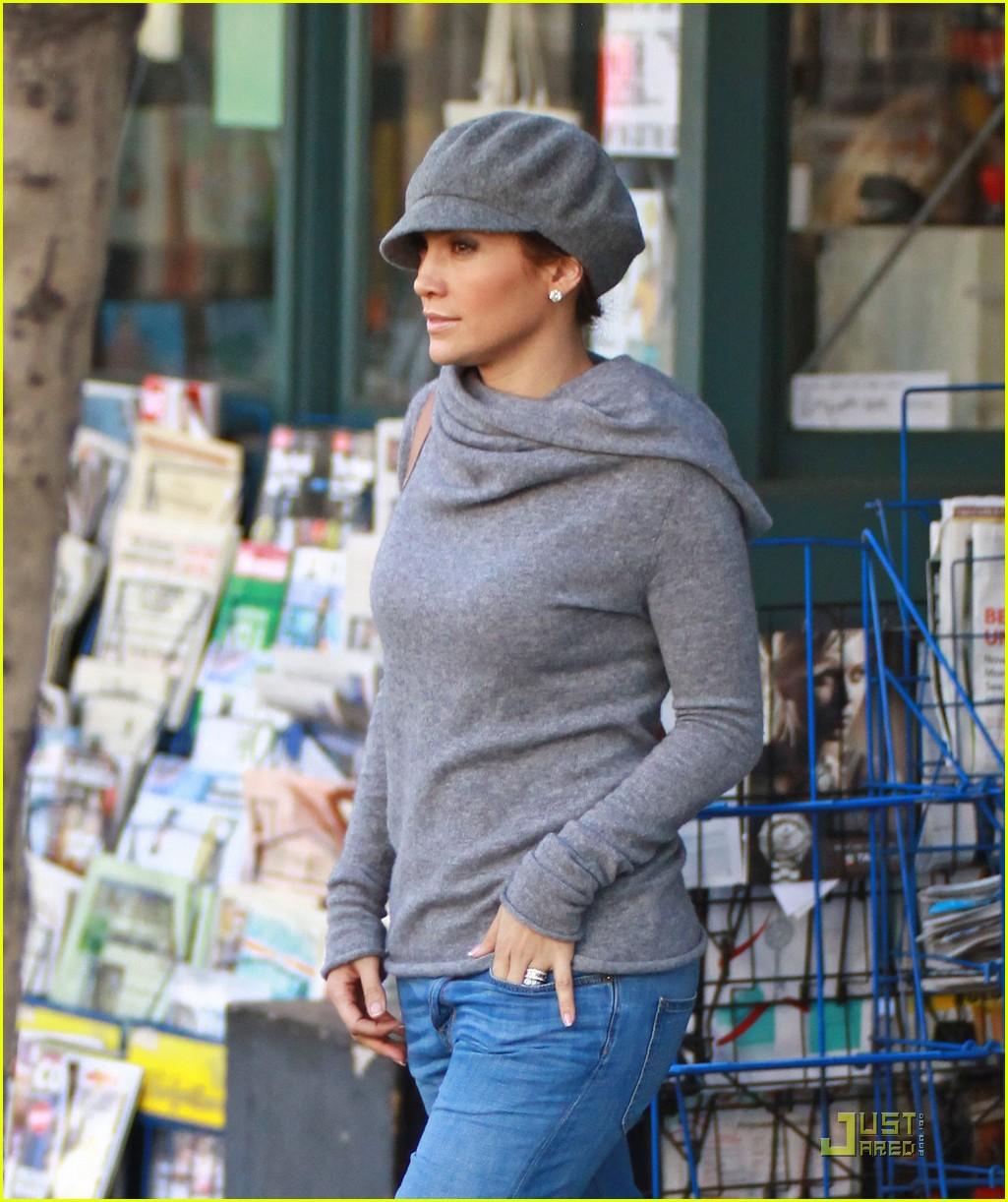 c26f79a02eb Jennifer Lopez is a Lucky Ducky  Photo 2386971
