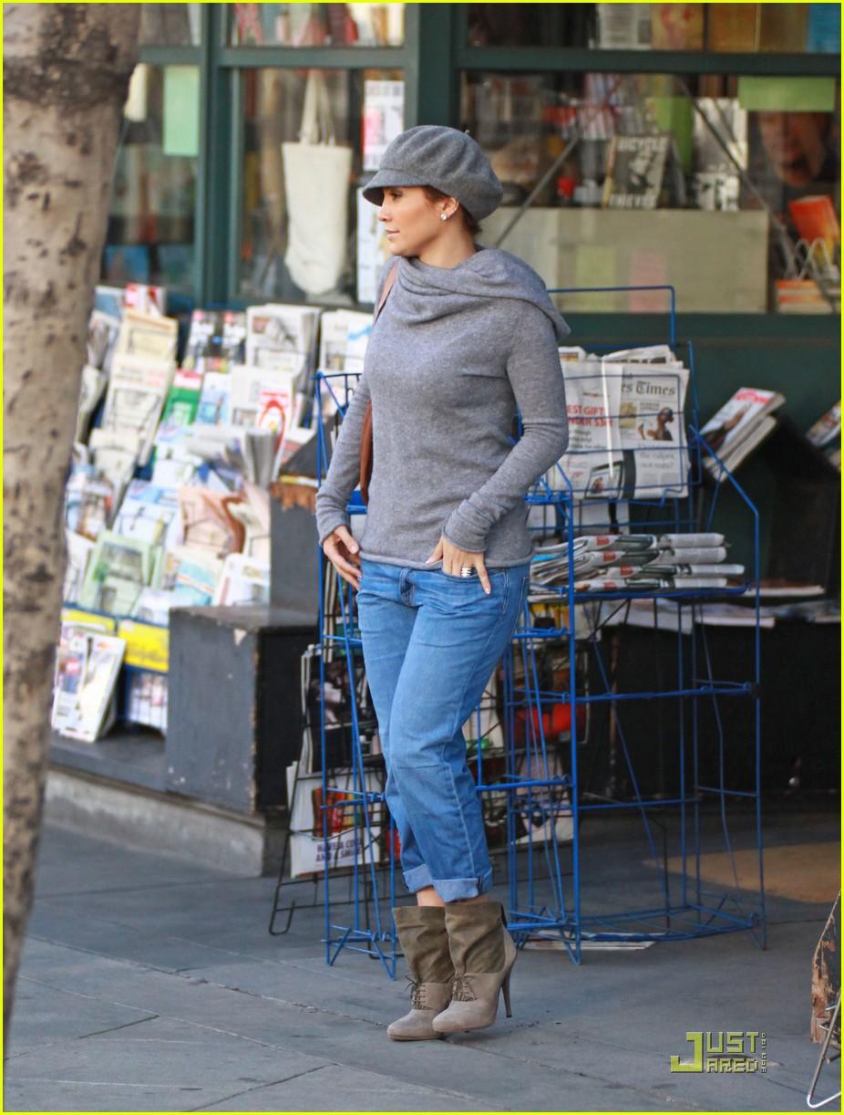 fde62d0f0ad Jennifer Lopez is a Lucky Ducky  Photo 2387071