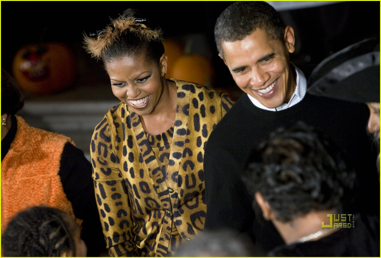 michelle obama trick of treating white house 082326191
