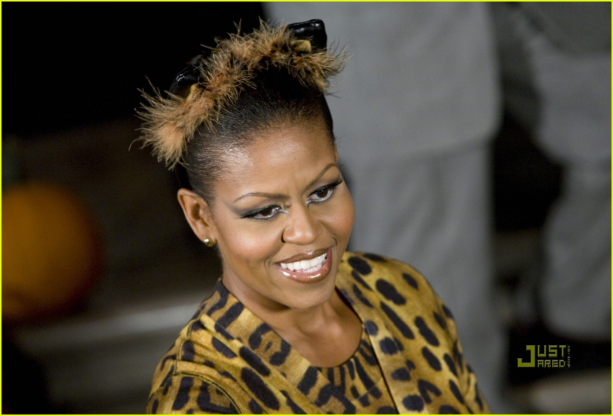 michelle obama trick of treating white house 12