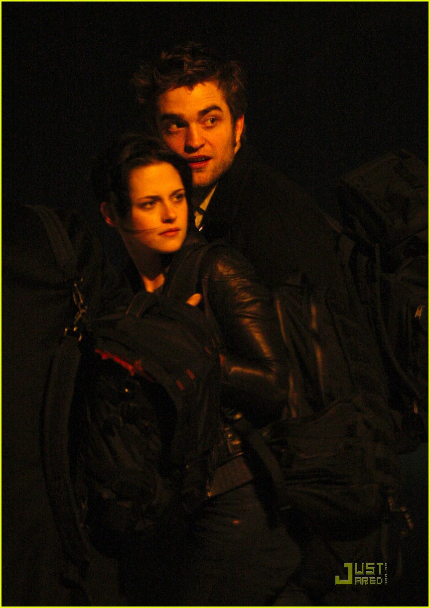 robert pattinson kristen stewart keep close 042348831