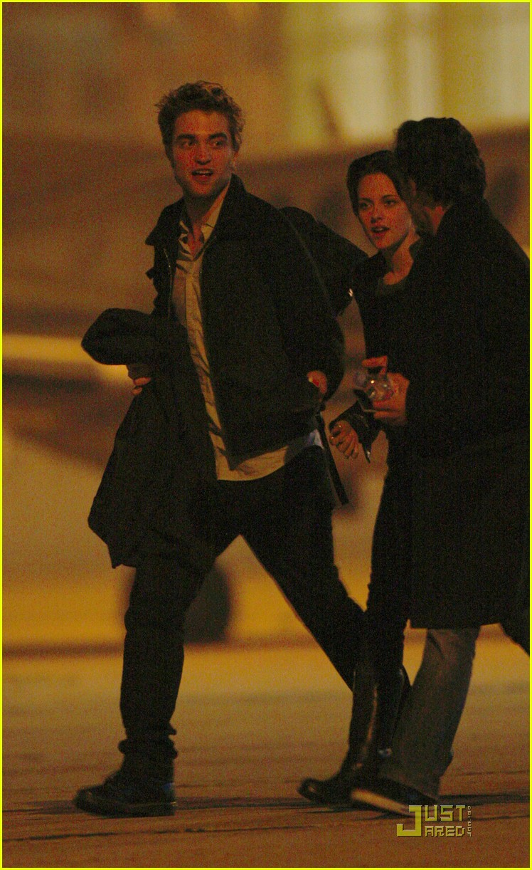 robert pattinson kristen stewart keep close 072348861
