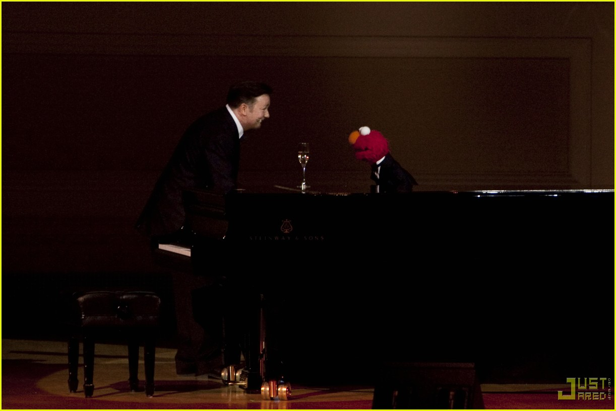 ricky gervais elmo carnegie hall 01
