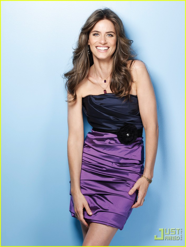 amanda peet self magazine december 2009 01