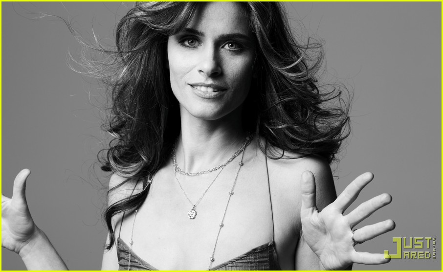 amanda peet self magazine december 2009 032364532