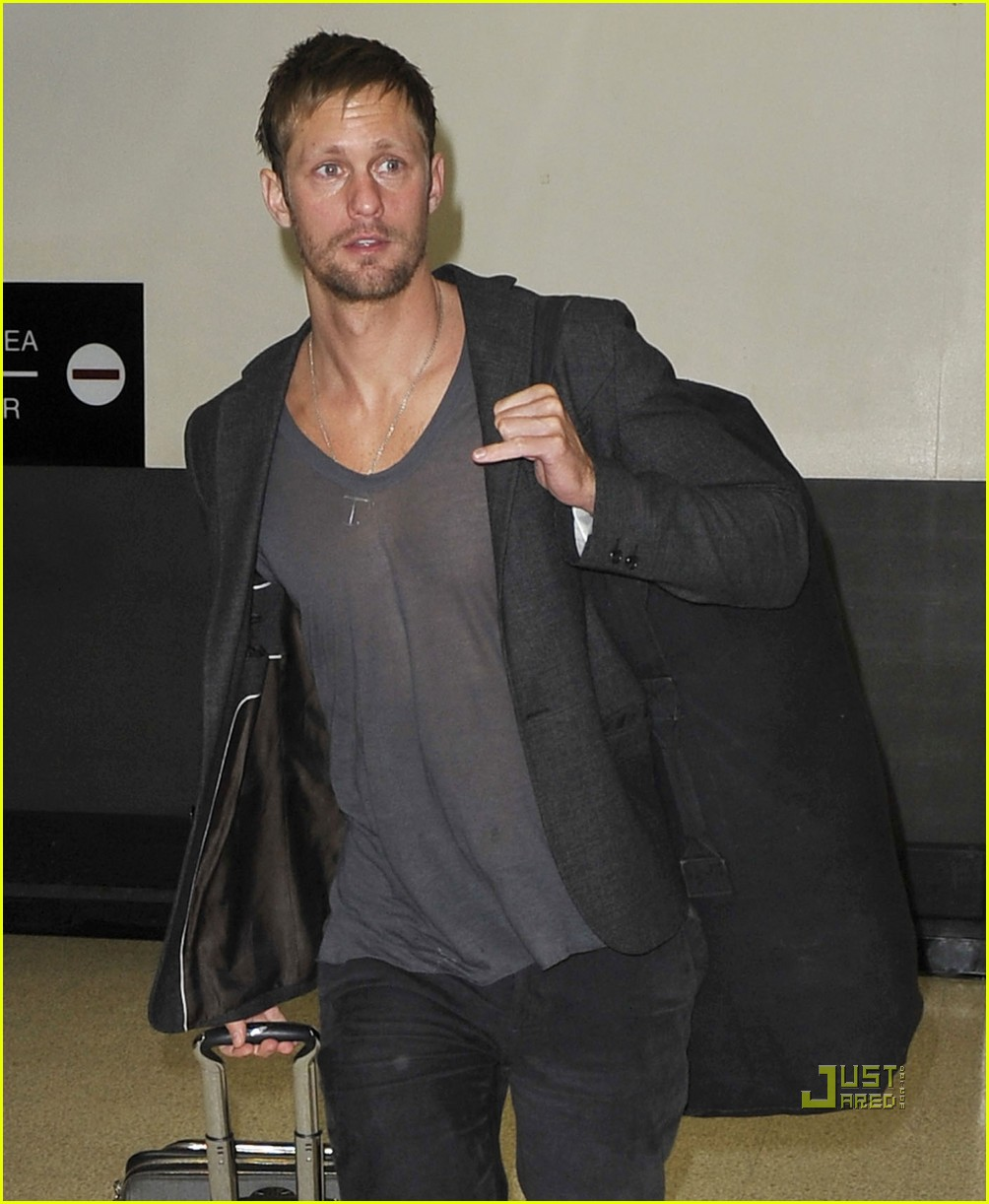 alexander skarsgard chateau marmont gq men of the year 022365961