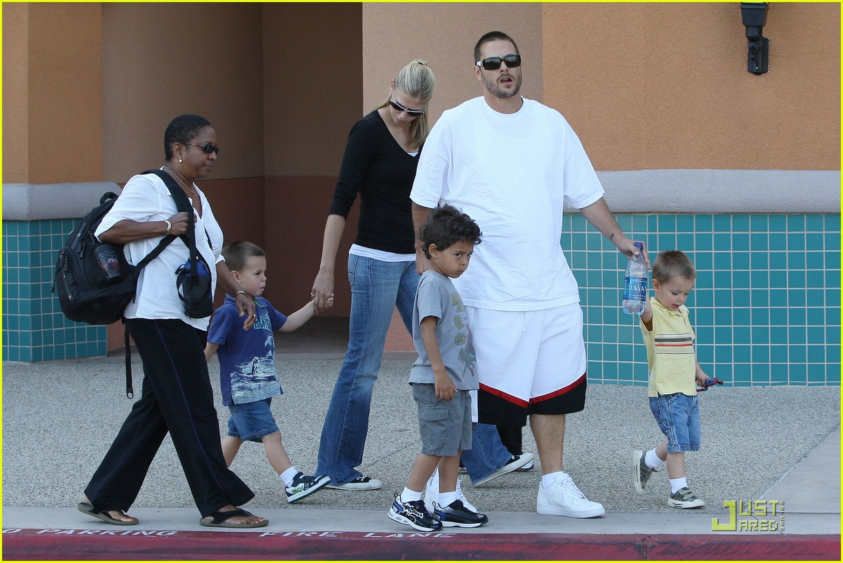 britney spears sons christmas 132343272