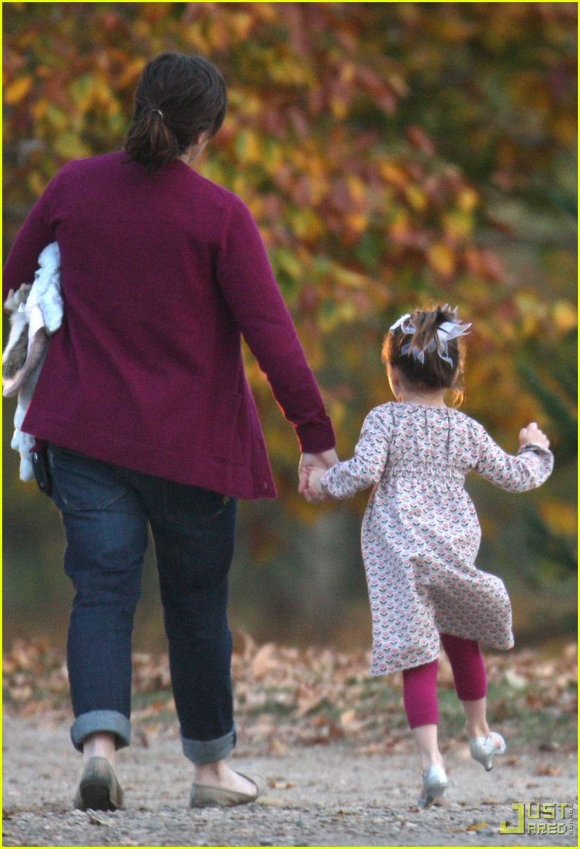 suri cruise romantics squirrel 01