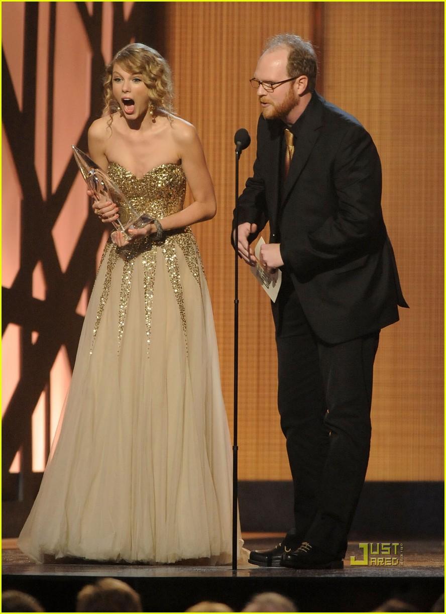 taylor swift cma awards 2009 012351671