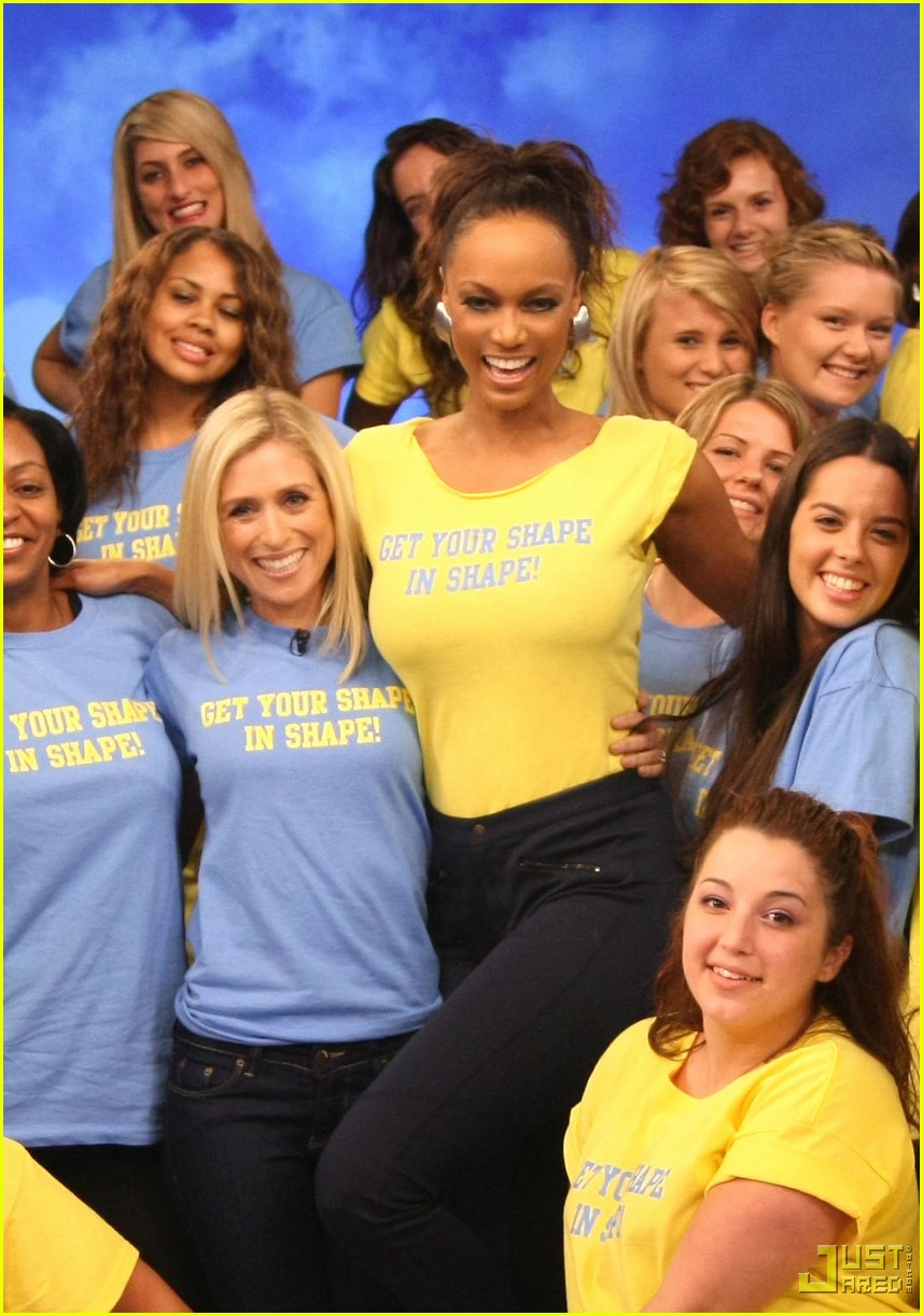 tyra banks in shape 012331001