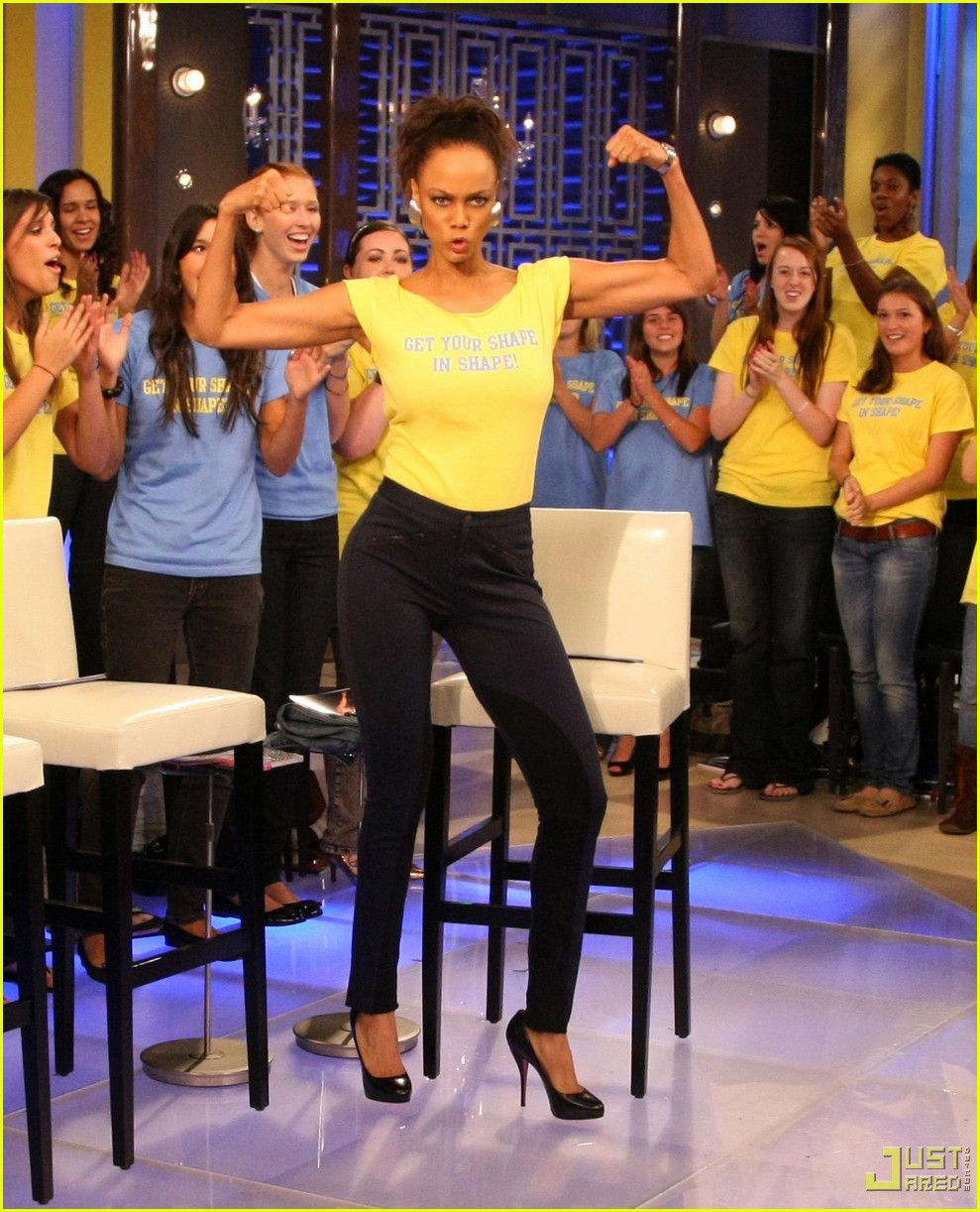 tyra banks in shape 032331021