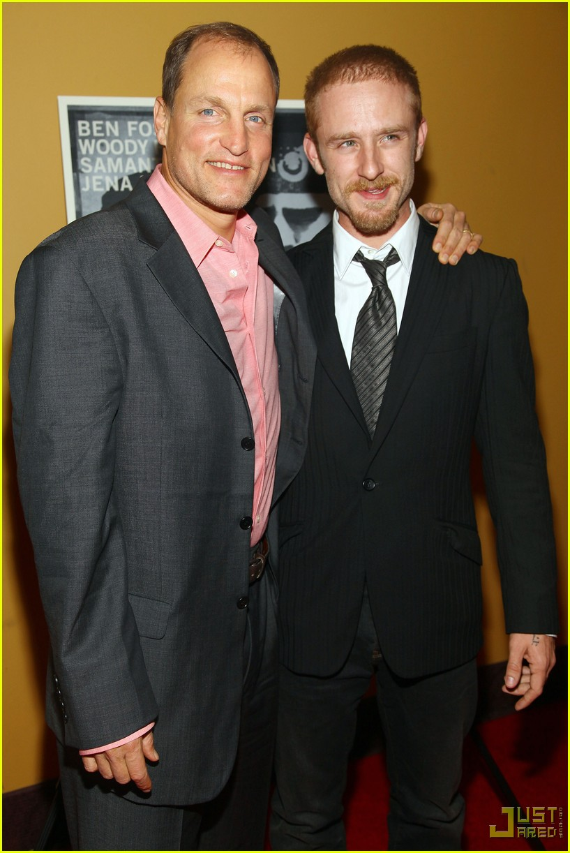 ben foster woody harrelson kiss 05