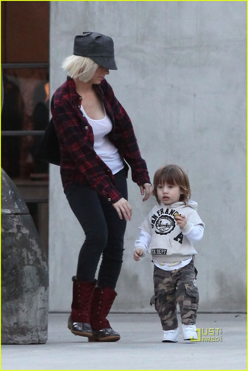 christina aguilera max maxfields 14