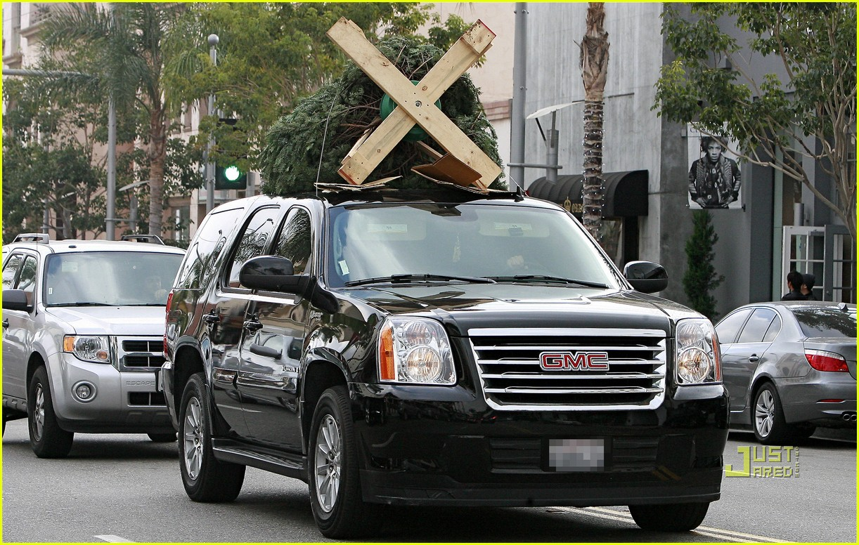 jessica alba christmas tree shopping 052400039