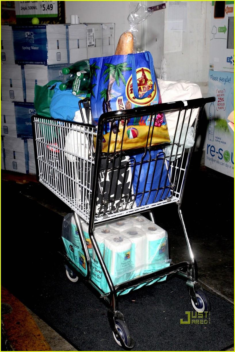 jessica alba whole foods supermarket 032400480