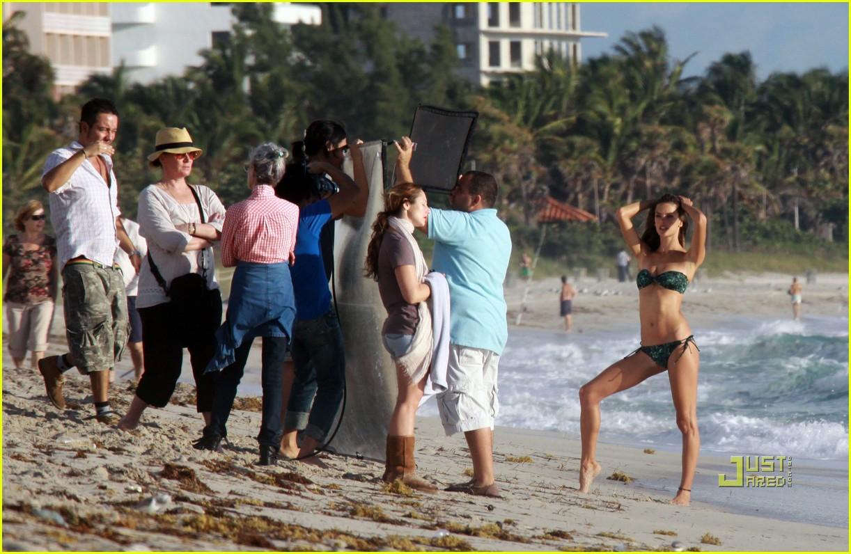 alessandra ambrosio bikini photo shoot 032401600