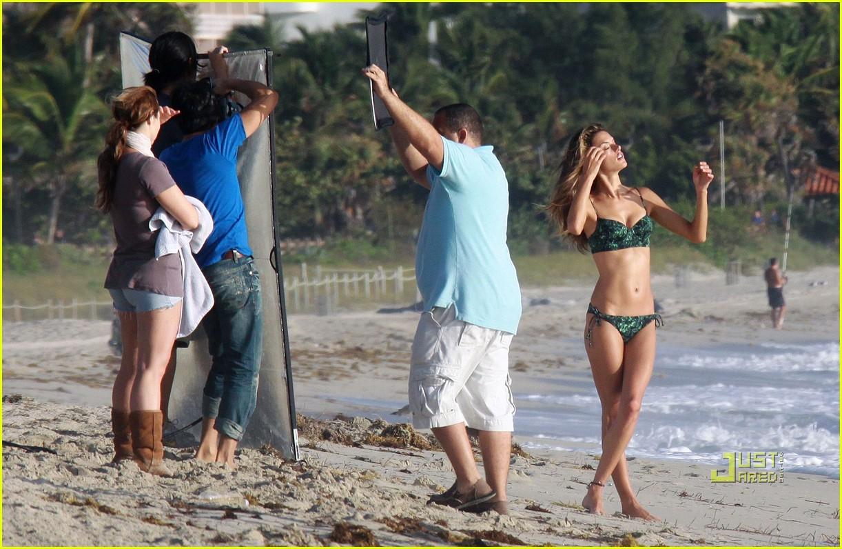 alessandra ambrosio bikini photo shoot 072401604
