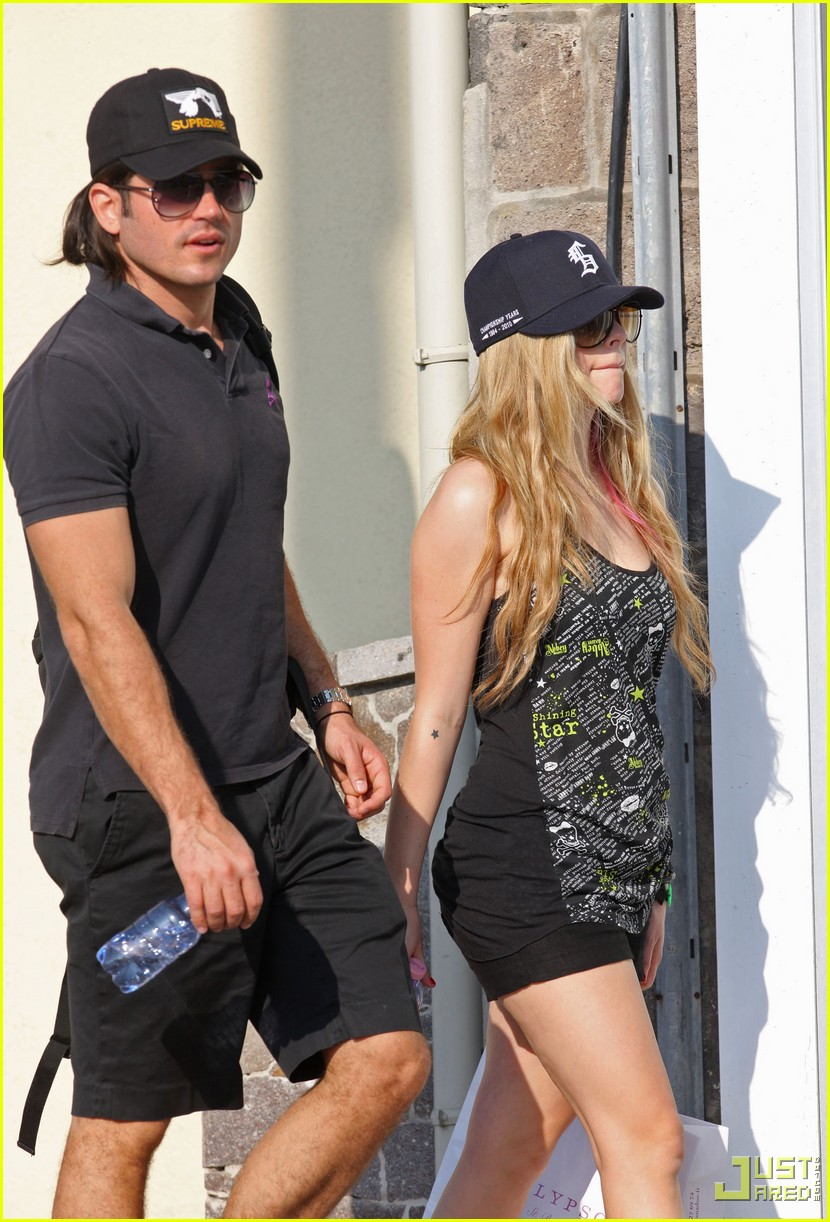 avril lavigne boyfriend beach st barts 03
