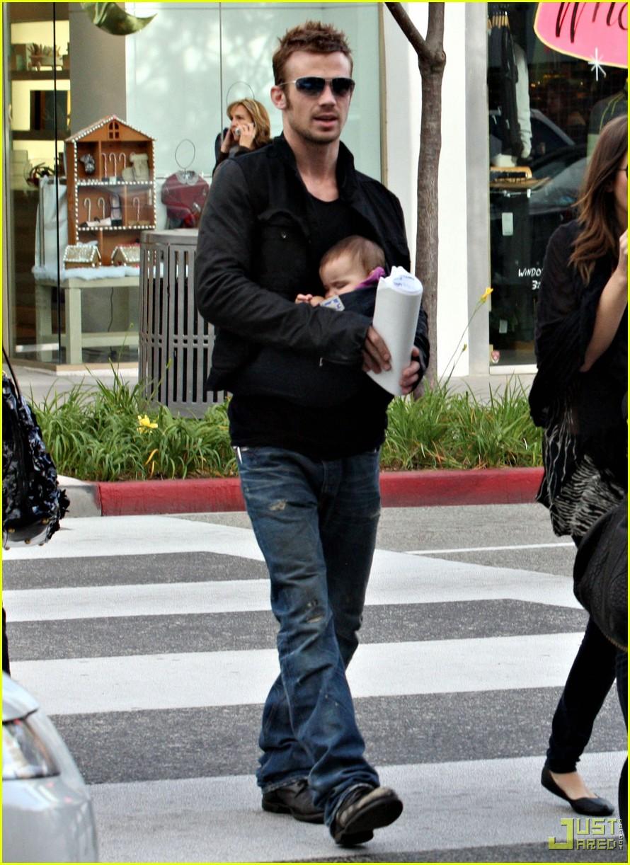 cam gigandet carries daughter everleigh 022402130
