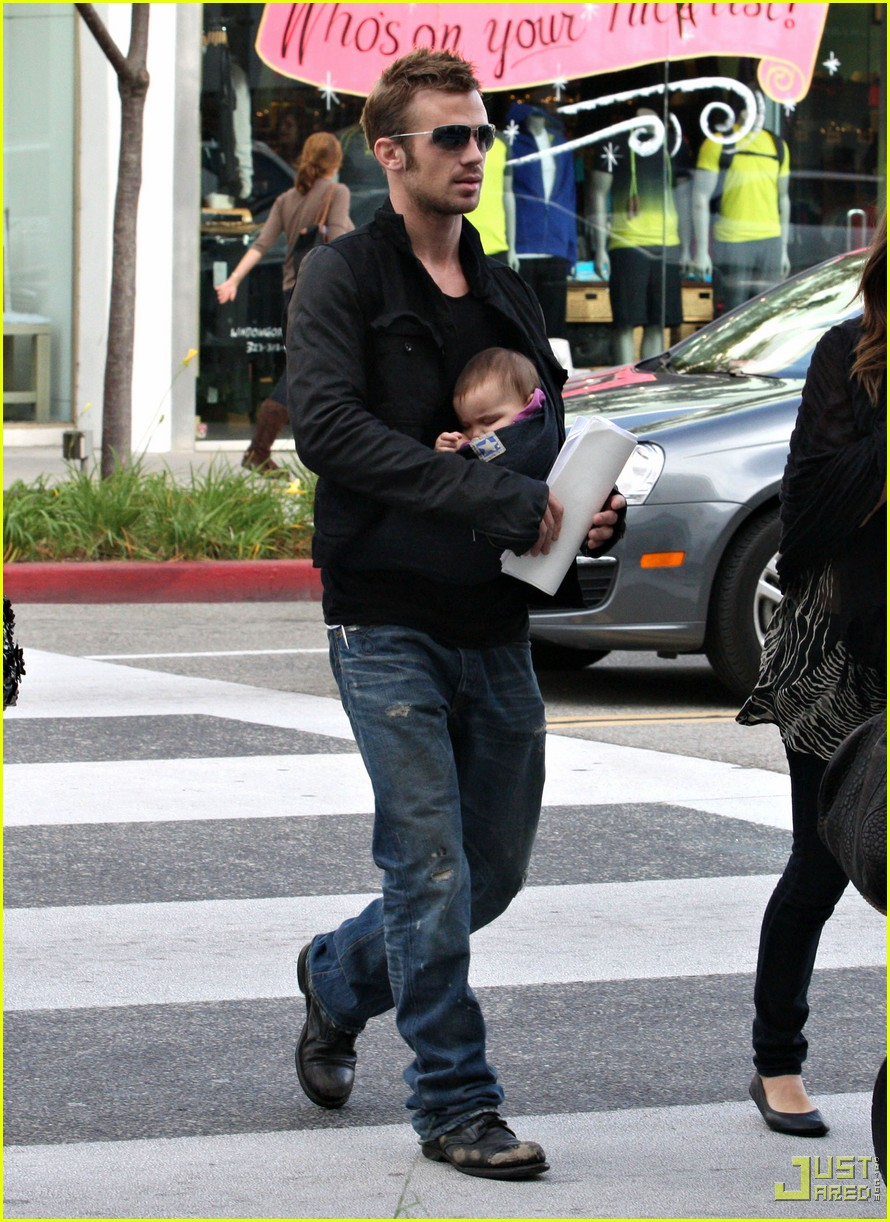 cam gigandet carries daughter everleigh 052402133